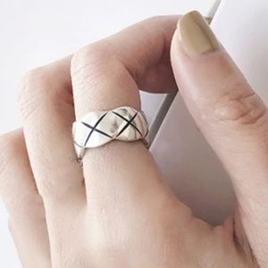 Jewelry - 925 quilted ring